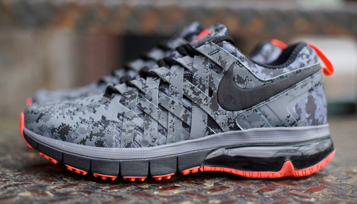 brand new 11a9c 8029d nike fingertrap max
