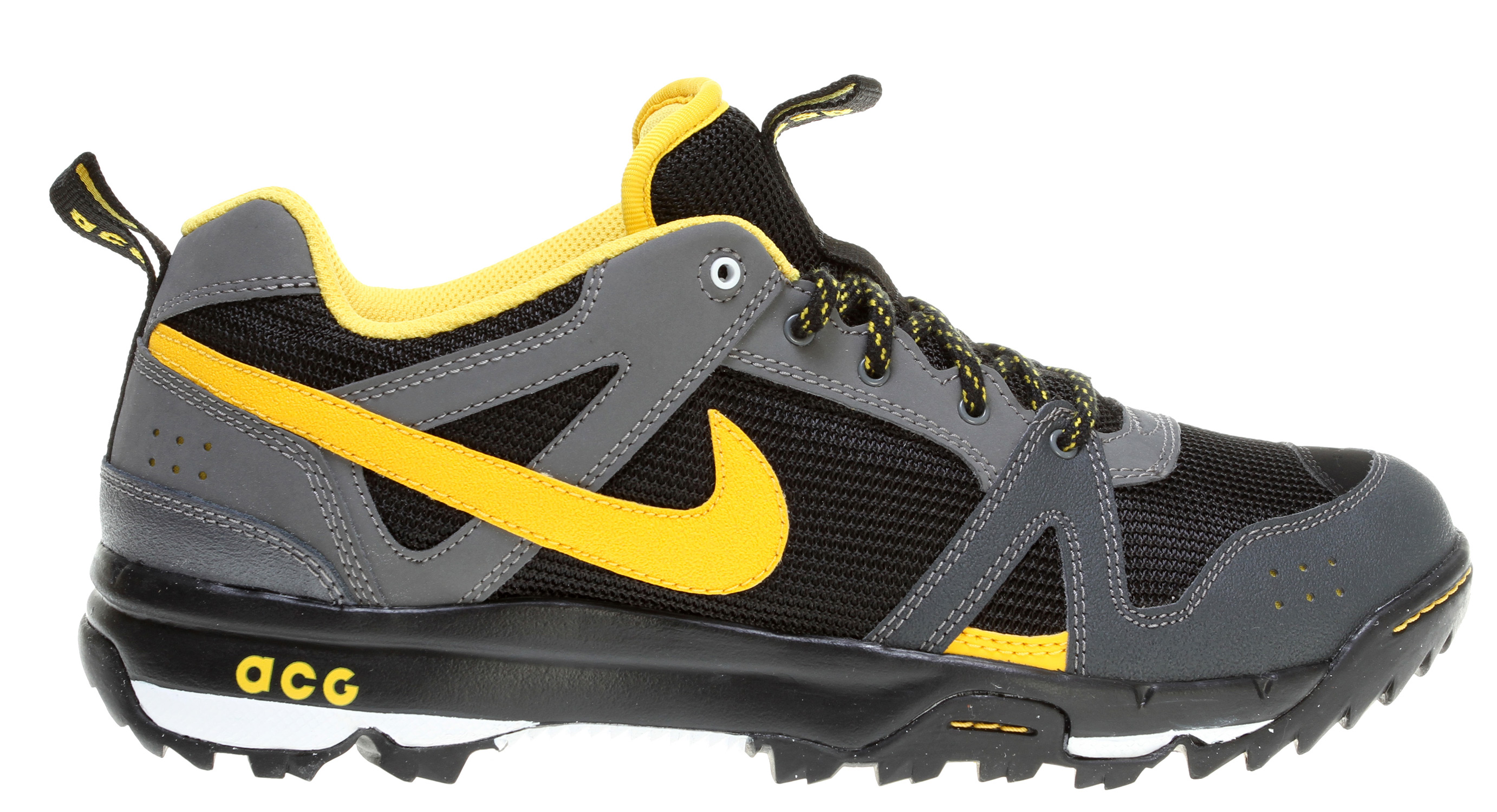 848a5d9ad Nike Hiking Shoes - Style Guru  Fashion