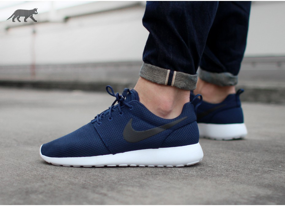the latest c6fc1 d5070 nike roshe run mens