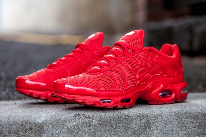red nike shoes 6d6f691dc